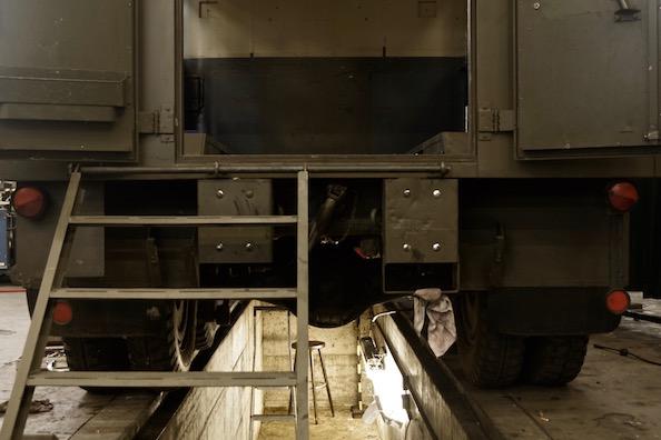 US-Army Cargo Truck für Castorfs 'Forza del Destino' in der Deutschen Oper
