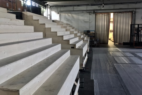 Die Treppenanlagen für die Osterfestspiele 2020 in Baden-Baden.